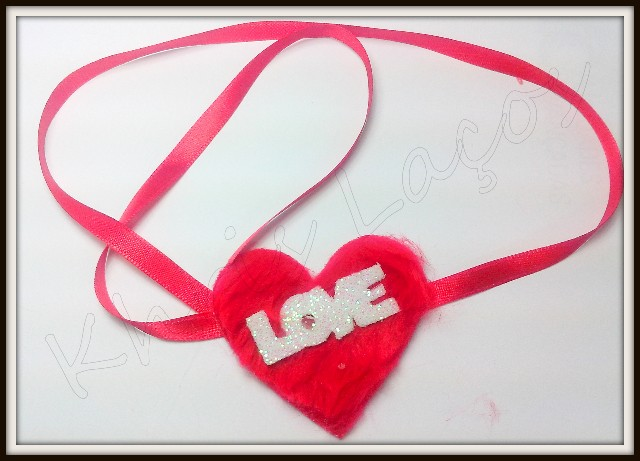 Gargantilha de pelúcia Love(10unidades)