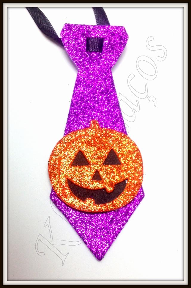 Gravata M gliterada com aplique de hallowen