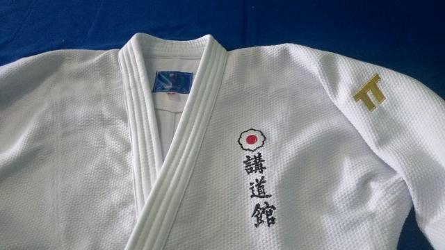 Kimono (Judo gi ), para Kata modelo Omotenashi em trançado 730grs branco