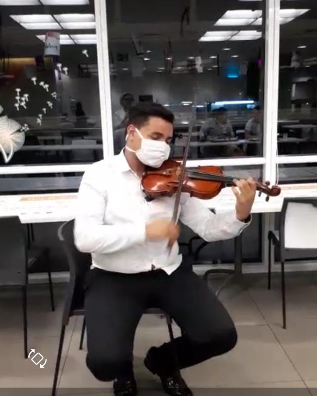 Contratação de Violinista para poder Alegrar e Distrair com Proteção e Distanciamento. Vale a pena!