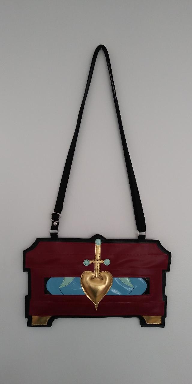 Bolsa Caixa de Corações Rainha Má -Vinho