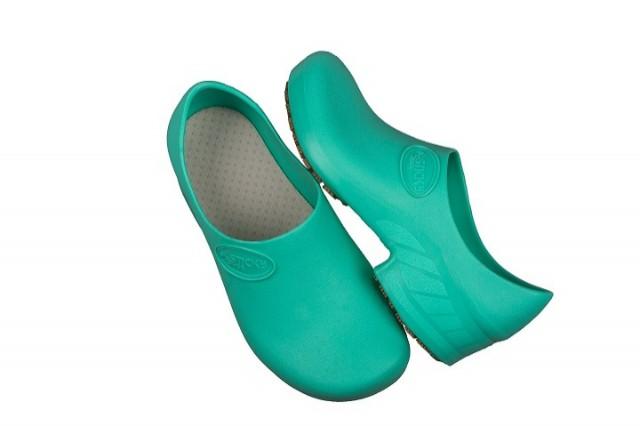 eb5c00bb52e2f Sapato STICKY SHOE Antiderrapante Verde Hospitalar - CANADA EPI - CA ...
