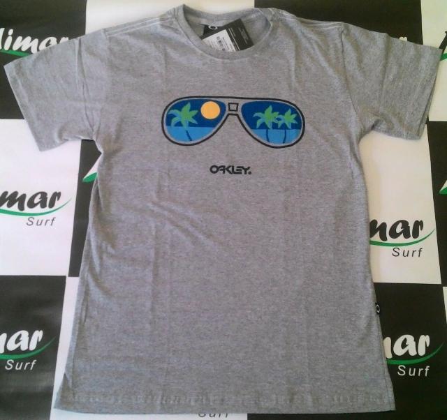 10950225f8a69 Camiseta Oakley Original por R 74,00