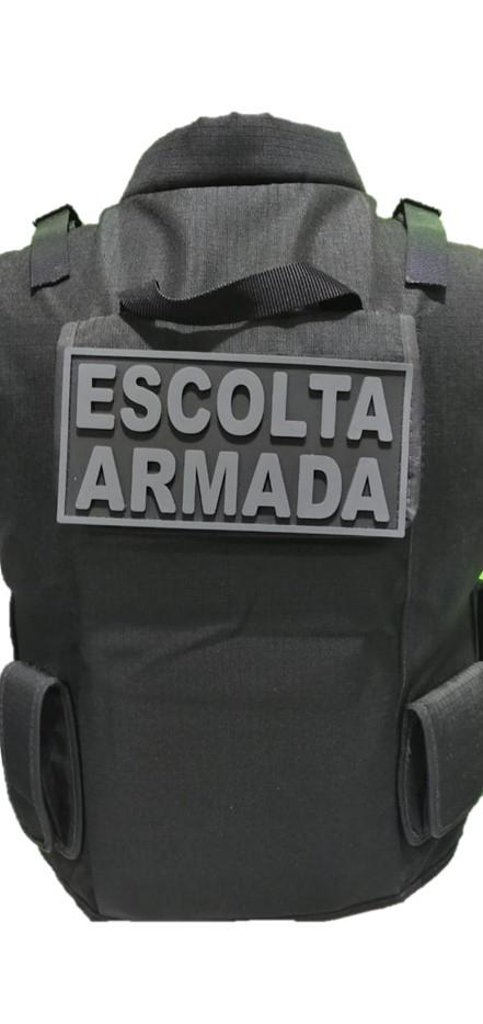 EMBORRACHADO ESCOLTA ARMADA PARA COLETE